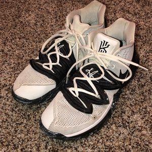 Nike Kyrie 5's